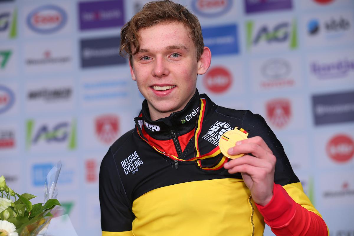 Aaron Dockx verlengt autoritair Belgische titel en zorgt voor derde Belgische titel