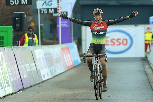 Sanne Cant verlengt hegemonie en wordt voor de twaalfde keer op rij Belgisch kampioene